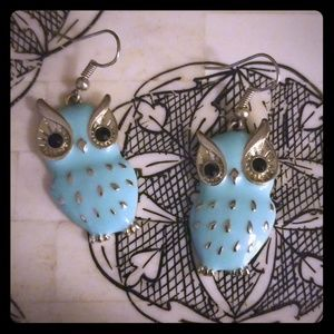 Super cute owl earrings!